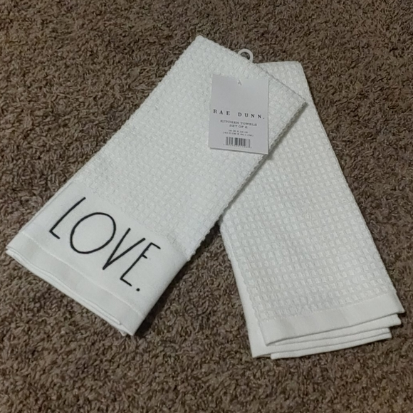 4 RAE DUNN kitchen towels 🎉host pick🎉
